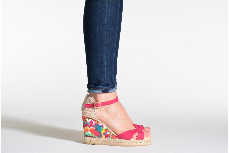 Sandales et nu-pieds Desigual Eva Rose vue bas / vue portée sac