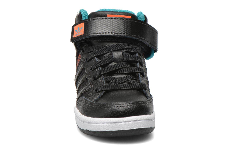 Baskets Adidas Originals Varial Mid I Noir vue portées chaussures