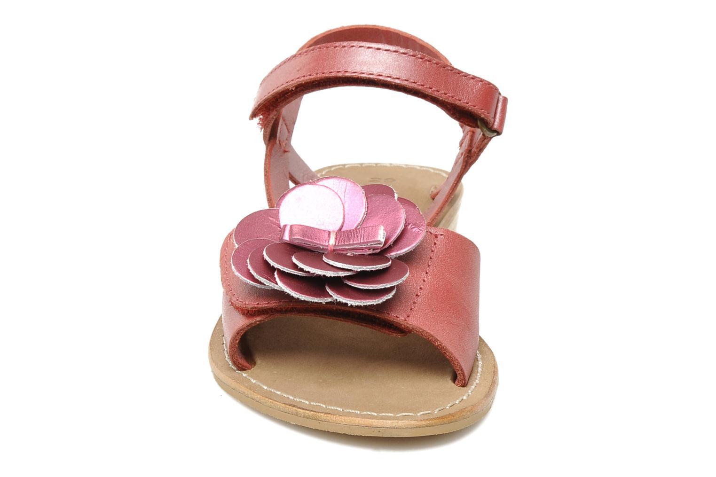 Sandales et nu-pieds Kickers IDOLE Rouge vue portées chaussures