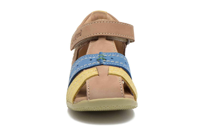 Sandales et nu-pieds Kickers BIGBAZAR Beige vue portées chaussures