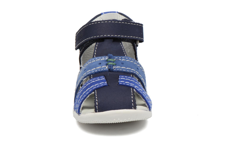Sandali e scarpe aperte Kickers BIGBAZAR Azzurro modello indossato