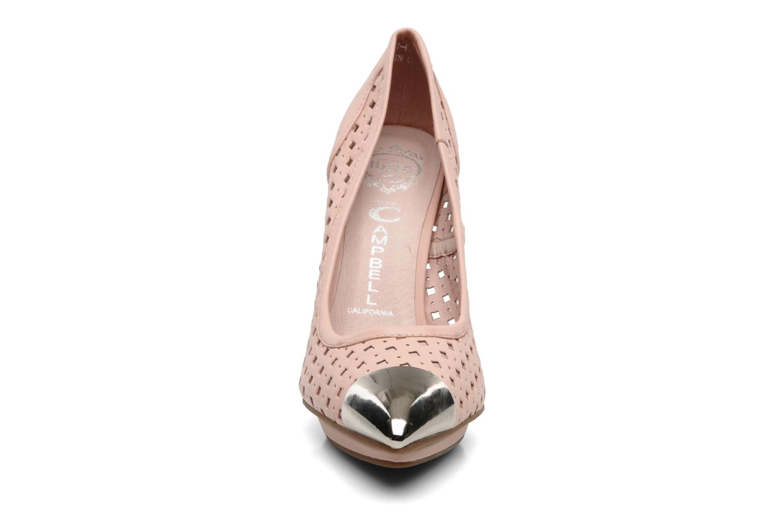 Zapatos de tacón Jeffrey Campbell Bullet PNC Rosa vista del modelo