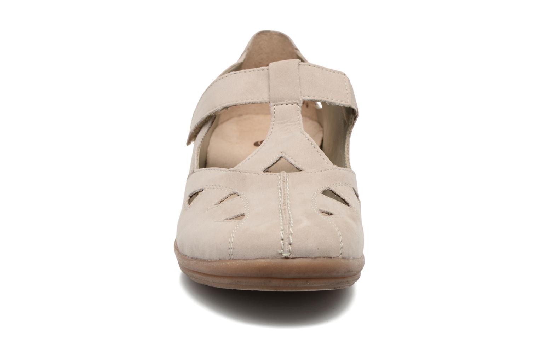 Ballerines Remonte Pandora D2801 Beige vue portées chaussures