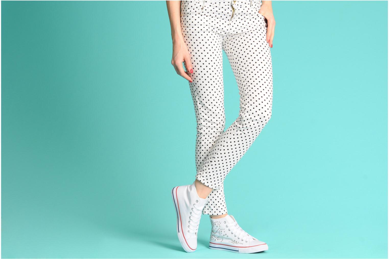 Sneaker I Love Shoes Phobize weiß ansicht von unten / tasche getragen