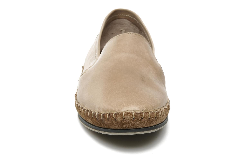 Mocassins Fluchos Bahamas 8674 Beige vue portées chaussures