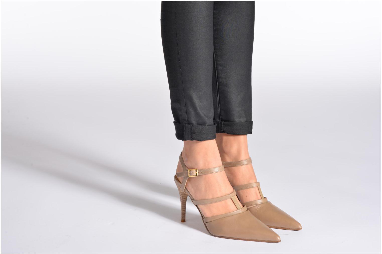 High heels Elizabeth Stuart Vassel 304 Beige view from underneath / model view