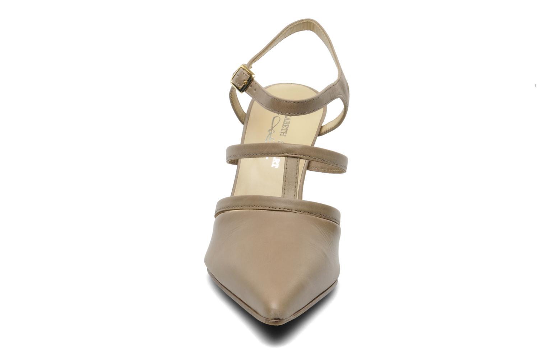 Pumps Elizabeth Stuart Vassel 304 beige schuhe getragen