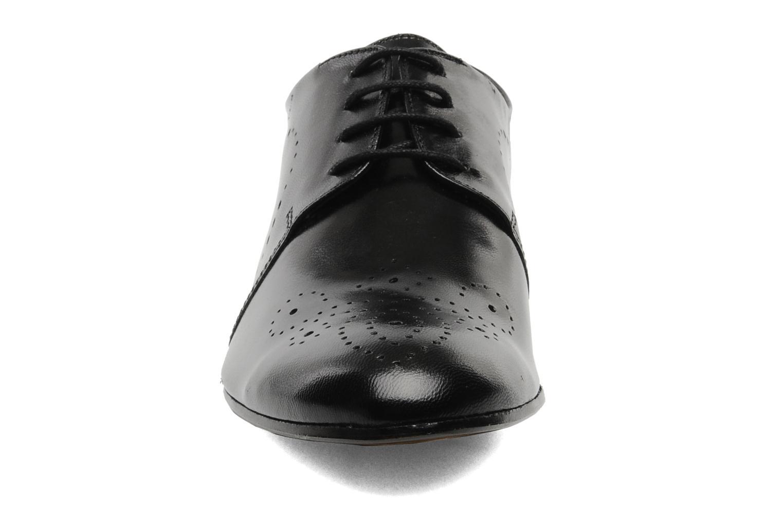 Zapatos con cordones Melvin & Hamilton Sally 1 Negro vista del modelo