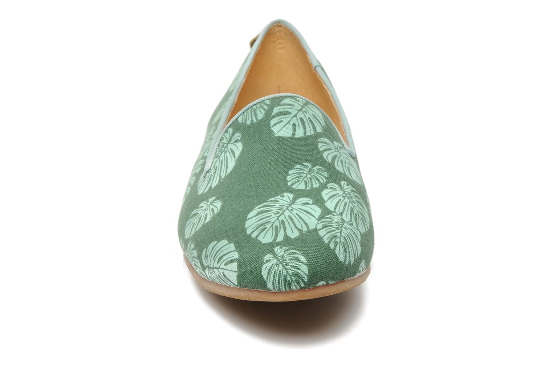 Slipper Flipflop Coffee Leaf grün schuhe getragen