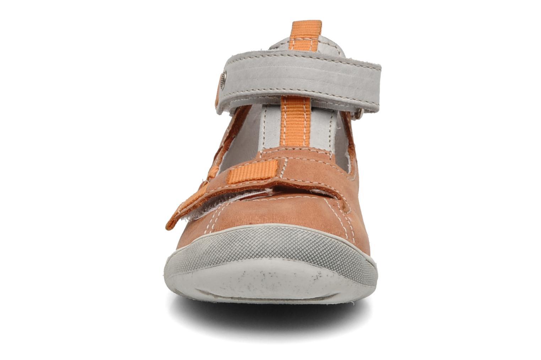 Stivaletti estivi Babybotte Stylist Arancione modello indossato