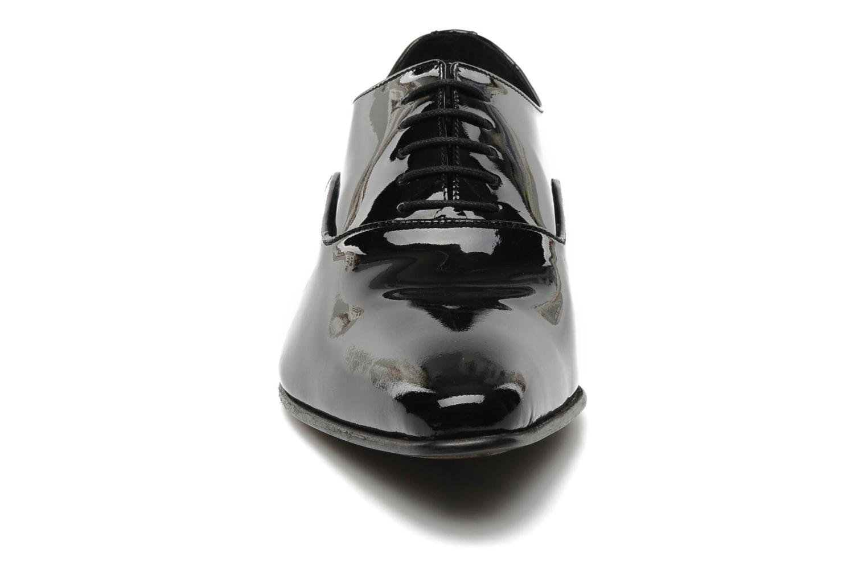 Snörade skor Brett & Sons Dandi Svart bild av skorna på