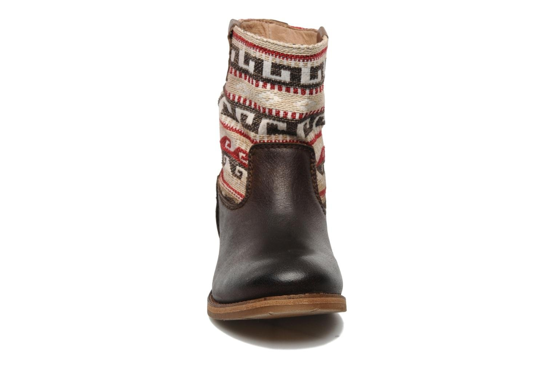 Ankle boots Koah Dalia Brown model view