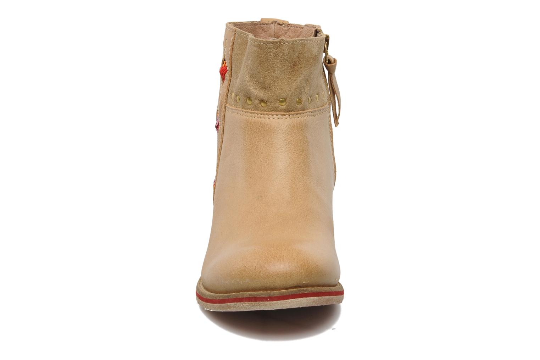 Bottines et boots Koah Noor Beige vue portées chaussures
