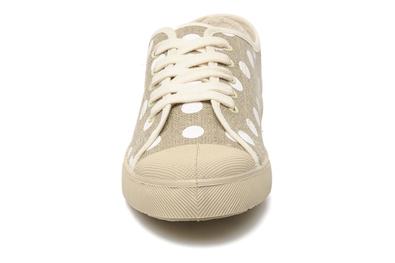 Sneakers Stéphane Gontard Teiko Beige se skoene på