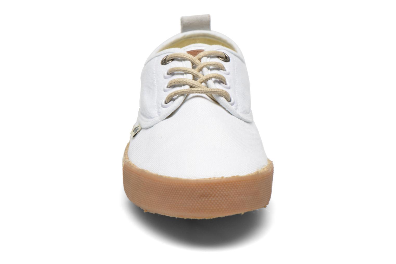 Baskets Gola Vulture Blanc vue portées chaussures