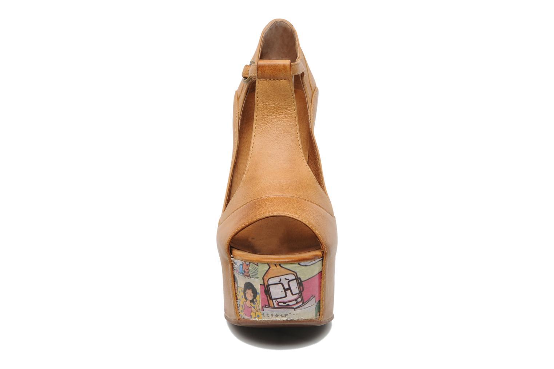 Sandaler Jeffrey Campbell Foxy - Cartoon Heel Brun bild av skorna på