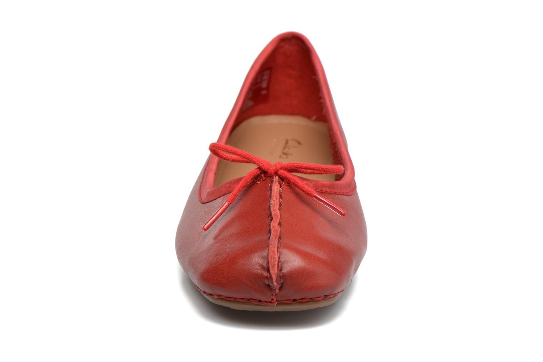 Ballerinas Clarks Unstructured Freckle Ice rot schuhe getragen