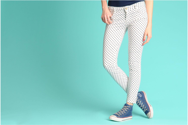 Sneaker Converse Chuck Taylor All Star Fashion Washed Hi W gelb ansicht von unten / tasche getragen