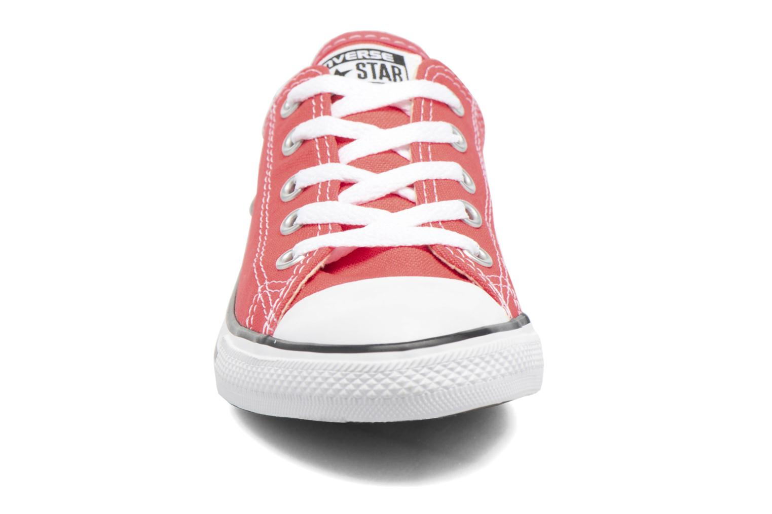 Baskets Converse All Star Dainty Canvas Ox W Rouge vue portées chaussures
