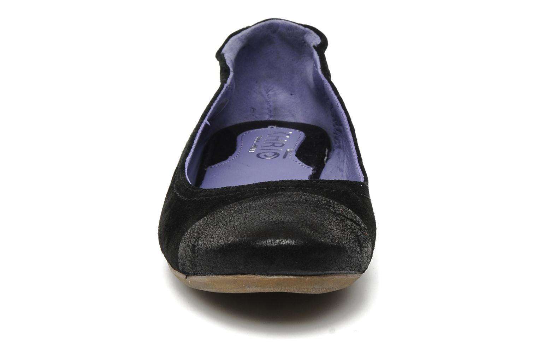 Ballerines Khrio Telle Noir vue portées chaussures