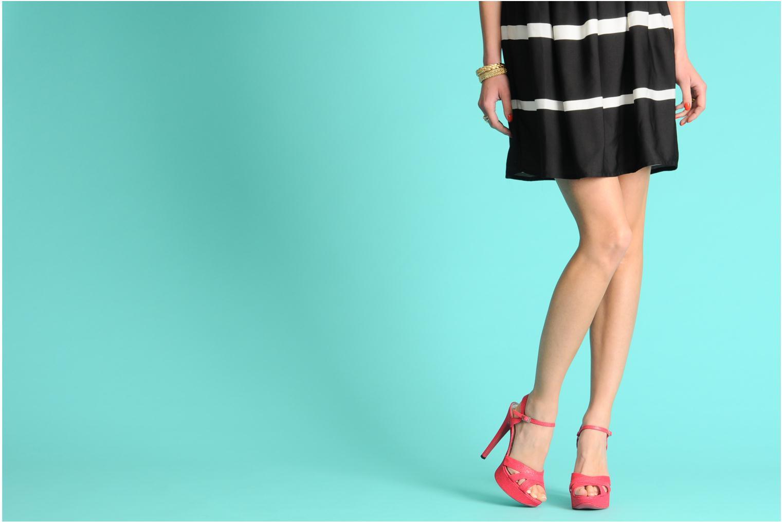 Sandalen Free Lance Emely 7 sandal rosa ansicht von unten / tasche getragen