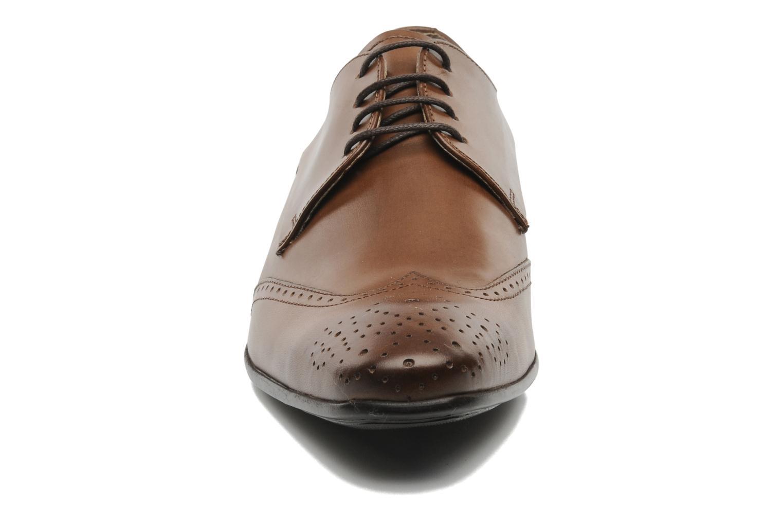 Schnürschuhe Marvin&Co Thika braun schuhe getragen