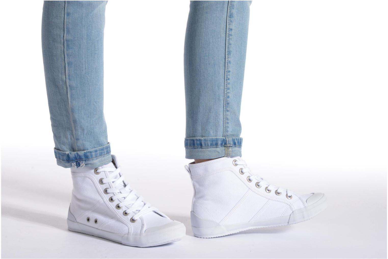 Sneaker TBS Obelia beige ansicht von unten / tasche getragen