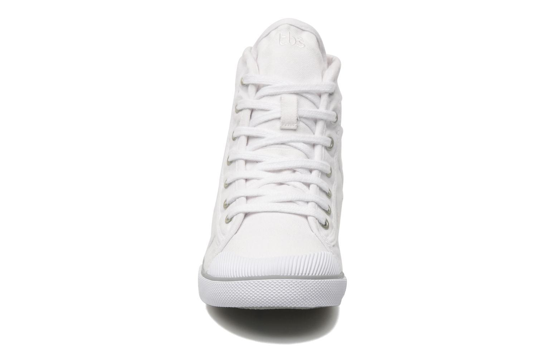 Baskets TBS Veluta Blanc vue portées chaussures