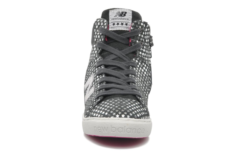 Baskets New Balance KT952 Gris vue portées chaussures