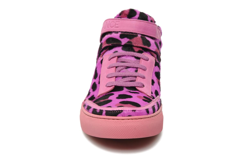 Sneaker Free Lance Kaley sport basket rosa schuhe getragen