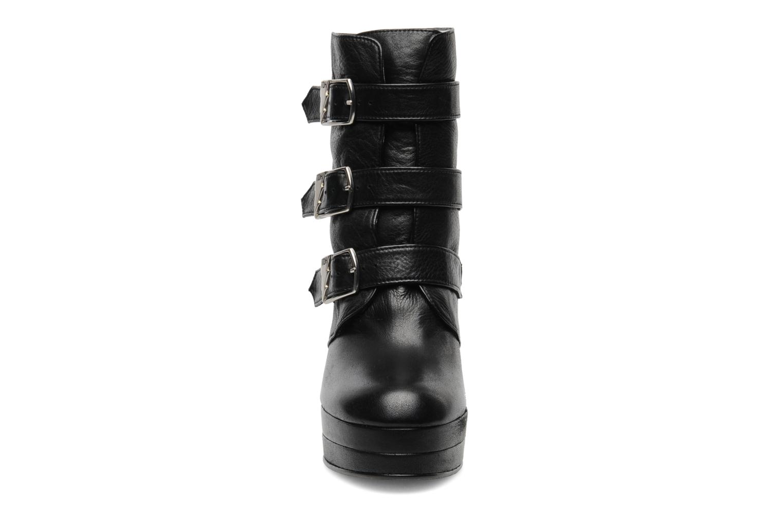 Ankle boots Terry de Havilland Joni Black model view