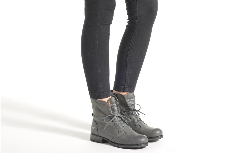 Bottines et boots Mustang shoes Irina Marron vue bas / vue portée sac
