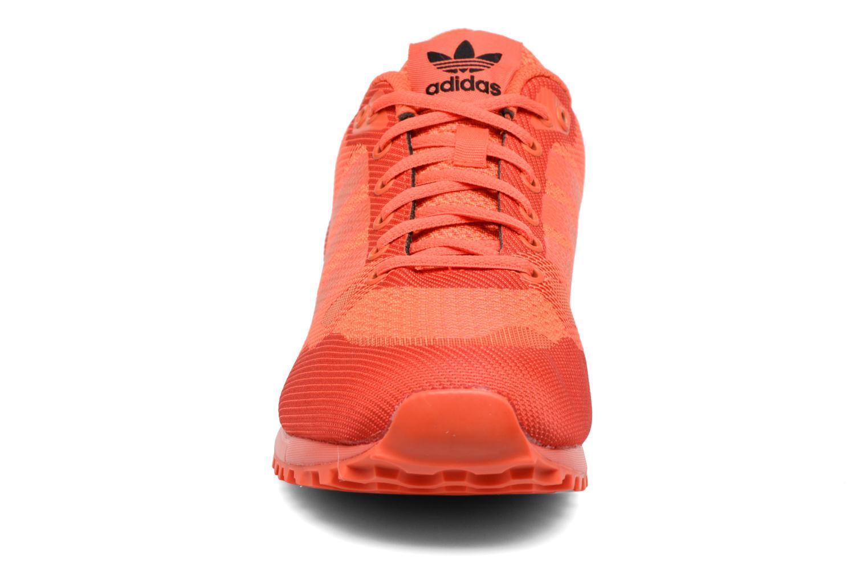 Baskets Adidas Originals Zx 750 Rouge vue portées chaussures