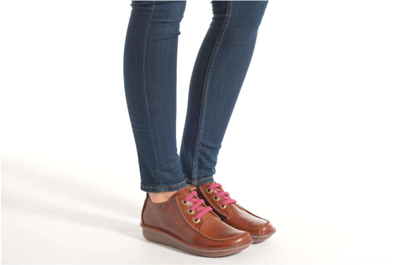 Lace-up shoes Clarks Funny Dream Burgundy view from underneath / model view