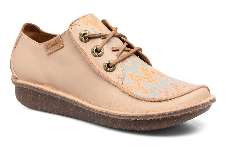 Grandes zapatos descuentos últimos zapatos Grandes Clarks Funny Dream (Beige) - Zapatos con cordones Descuento fd2e32