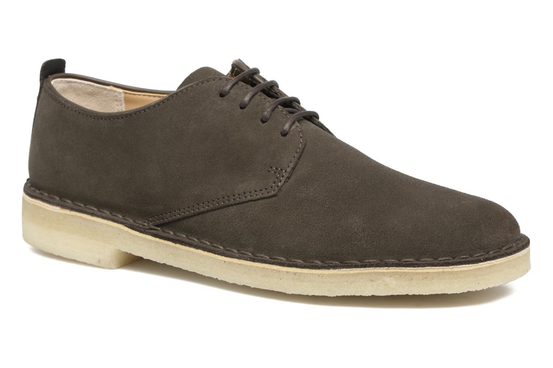 Lace-up shoes Clarks Originals Desert London Grey detailed view/ Pair view