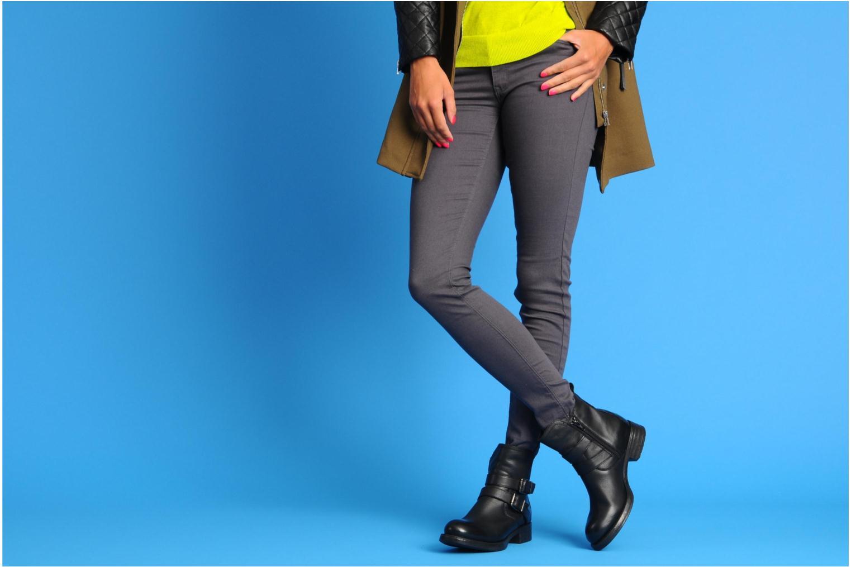 Stiefeletten & Boots Unisa Isiku braun ansicht von unten / tasche getragen