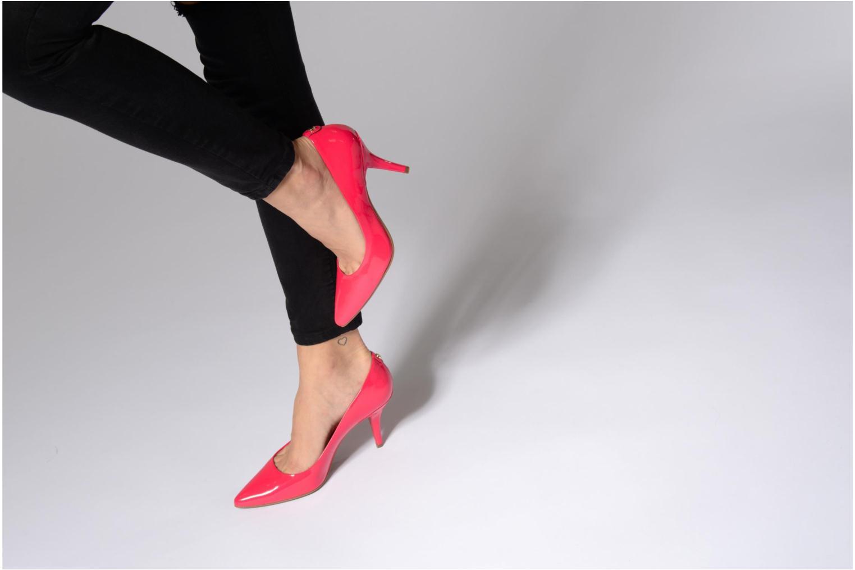 High heels Michael Michael Kors MK-Flex Mid Pump Red view from underneath / model view