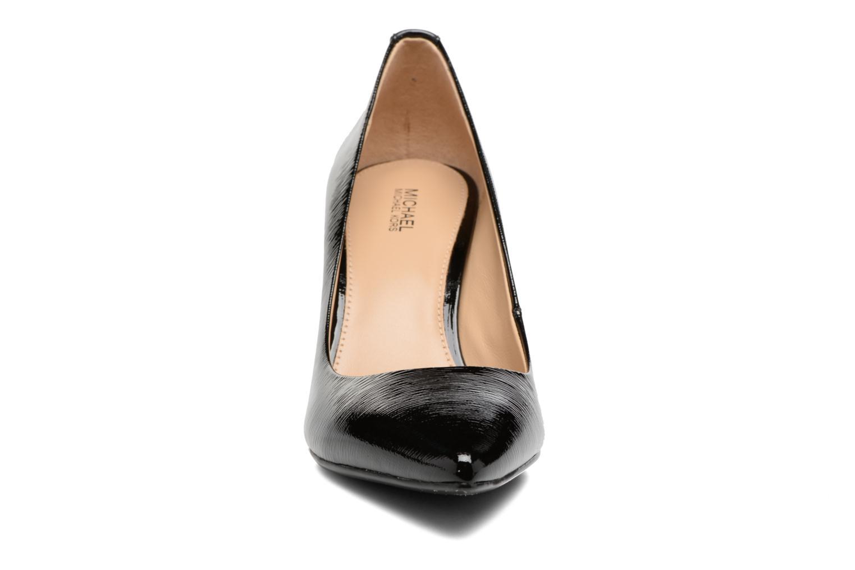 Zapatos de tacón Michael Michael Kors MK Flex Mid Pump W Negro vista del modelo