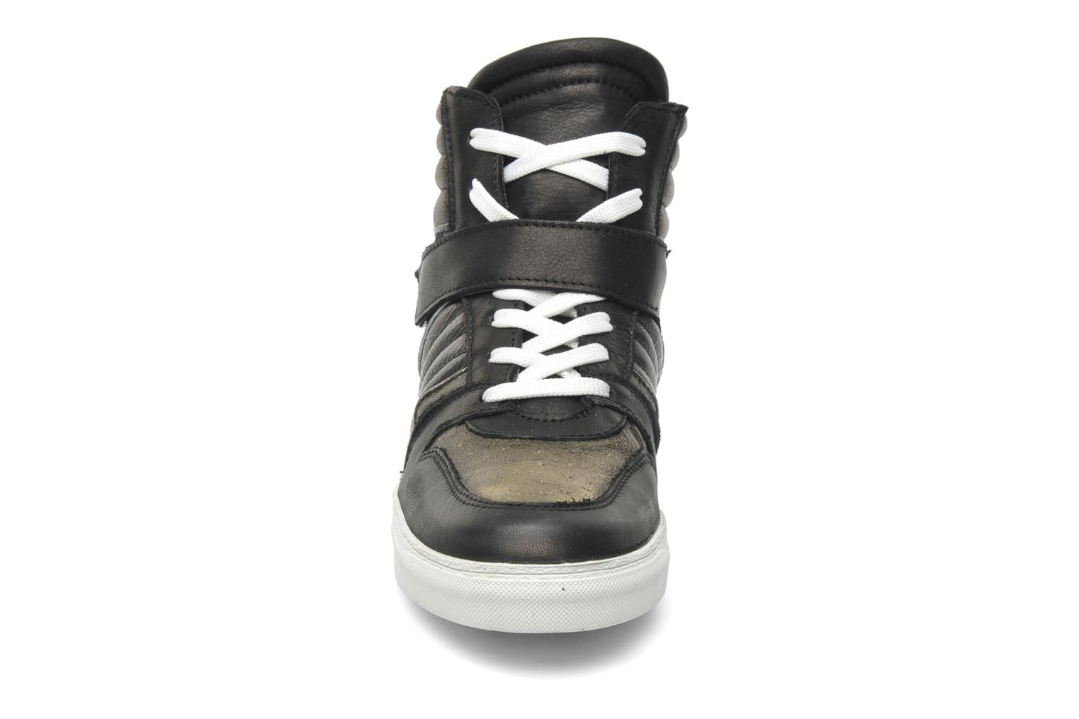 Trainers Eden Cafer Black model view