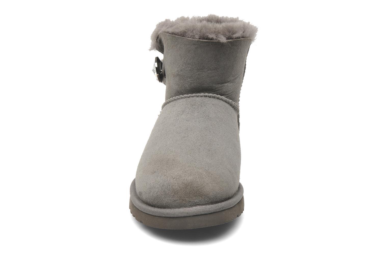 Bottines et boots UGG Mini Bailey Button Bling Gris vue portées chaussures