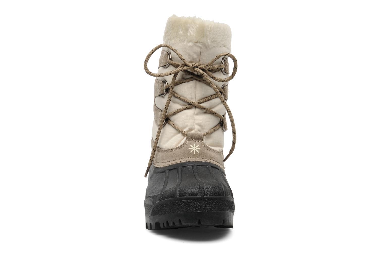 Chaussures de sport Trespass Florel Beige vue portées chaussures
