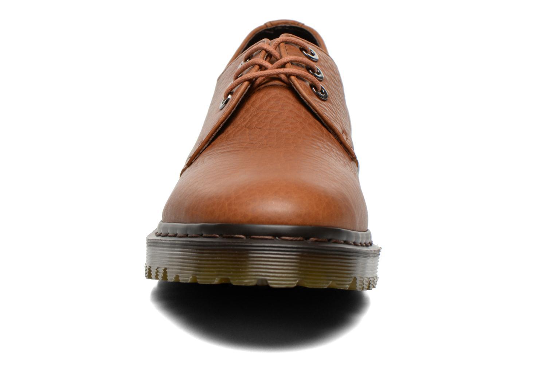 Chaussures à lacets Dr. Martens Immanuel Marron vue portées chaussures