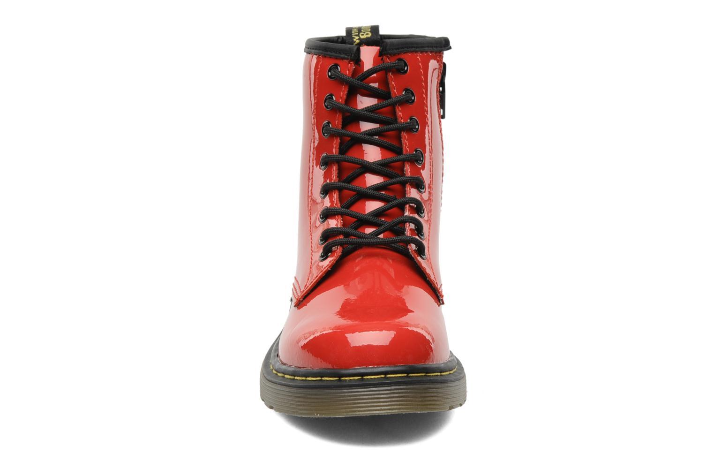 Bottines et boots Dr. Martens Juniors Delaney Lace boot Rouge vue portées chaussures