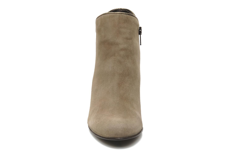 Bottines et boots Georgia Rose Lagopède Beige vue portées chaussures