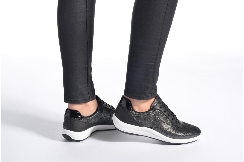 Sneaker TBS Easy Walk Anyway blau ansicht von unten / tasche getragen
