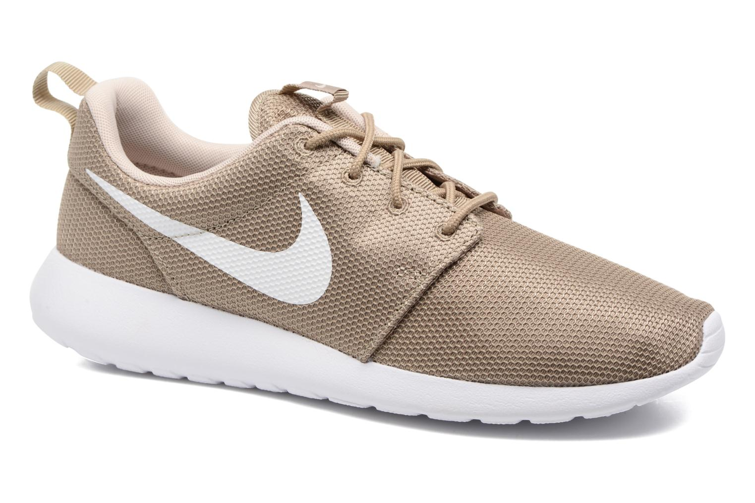Baskets Nike Nike Roshe One Beige vue détail/paire