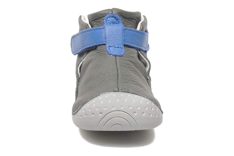 Chaussures à scratch Babybotte ZAK Gris vue portées chaussures