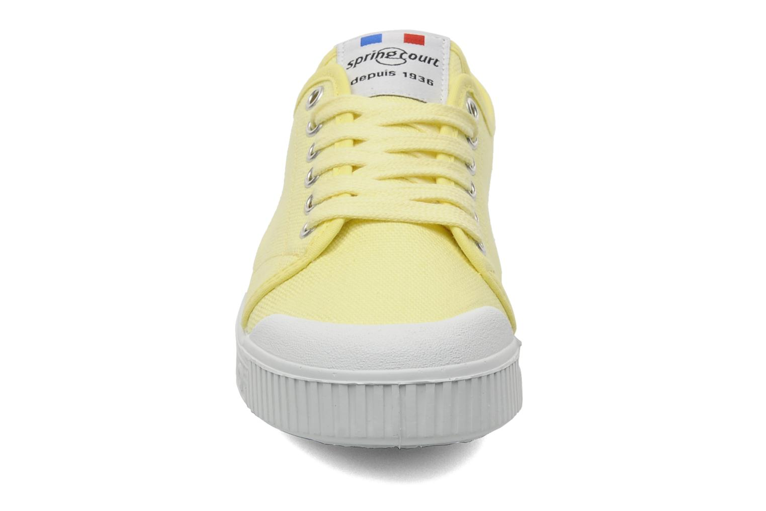 Sneakers Spring Court G2 CLASSIC F1 Geel model