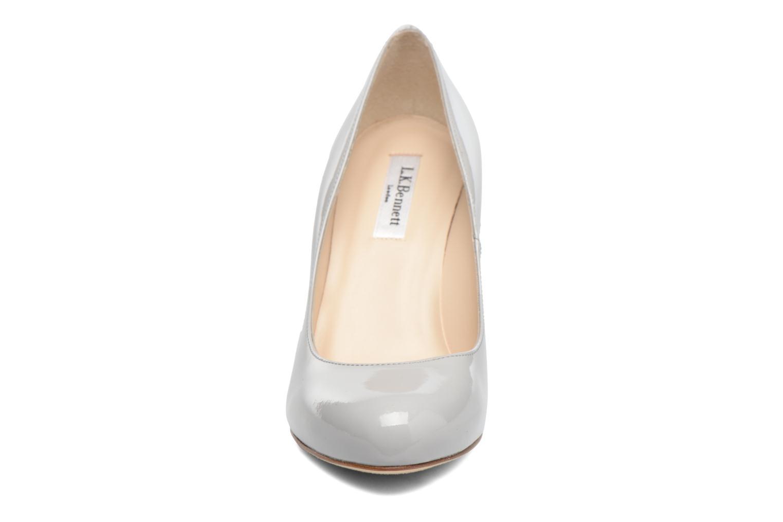 Zapatos de tacón L.K. Bennett Stila Gris vista del modelo